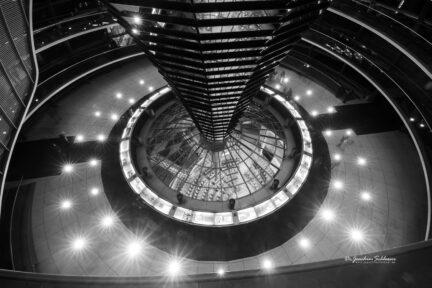 Blick aus der Bundestagskuppel nach unten