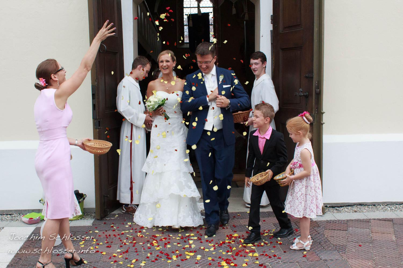 Hochzeit – Auszug aus Kirche